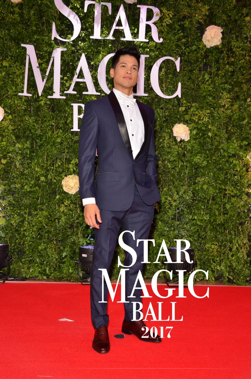 PHOTOS: Wildflower stars strut their wild style on Star Magic Ball 2017 Red Carpet