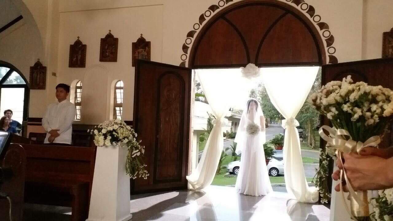 Behind-The-Scenes: Lily Cruz The Glowing Bride in White #WildflowerWeddingToDieFor
